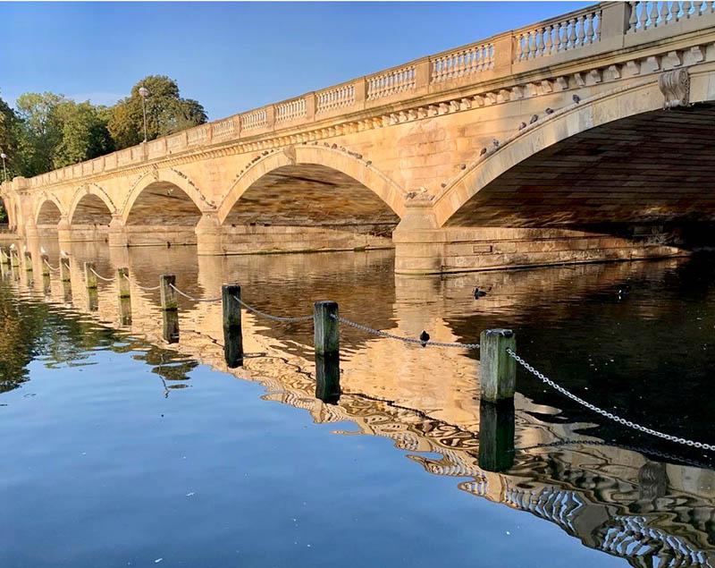 bridge over water in hyde park london